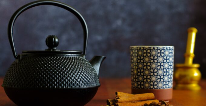 How to use a tea kettle